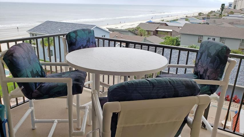 Ocean View 2 bedroom top floor NEWLY renovated! - 507