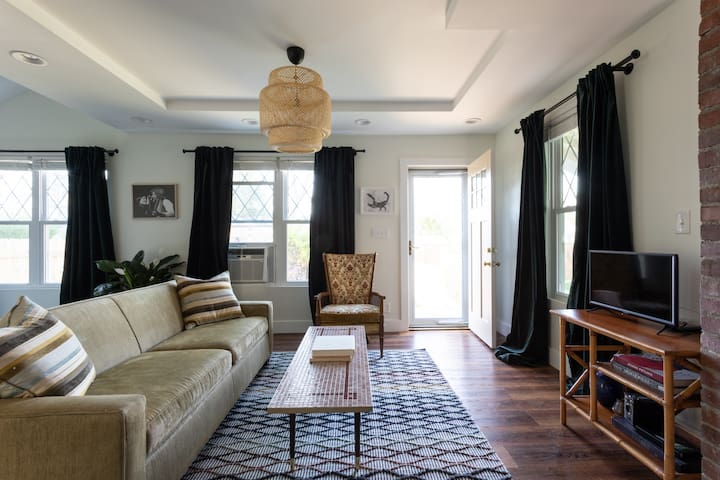 Charming and private guesthouse in East Nashville