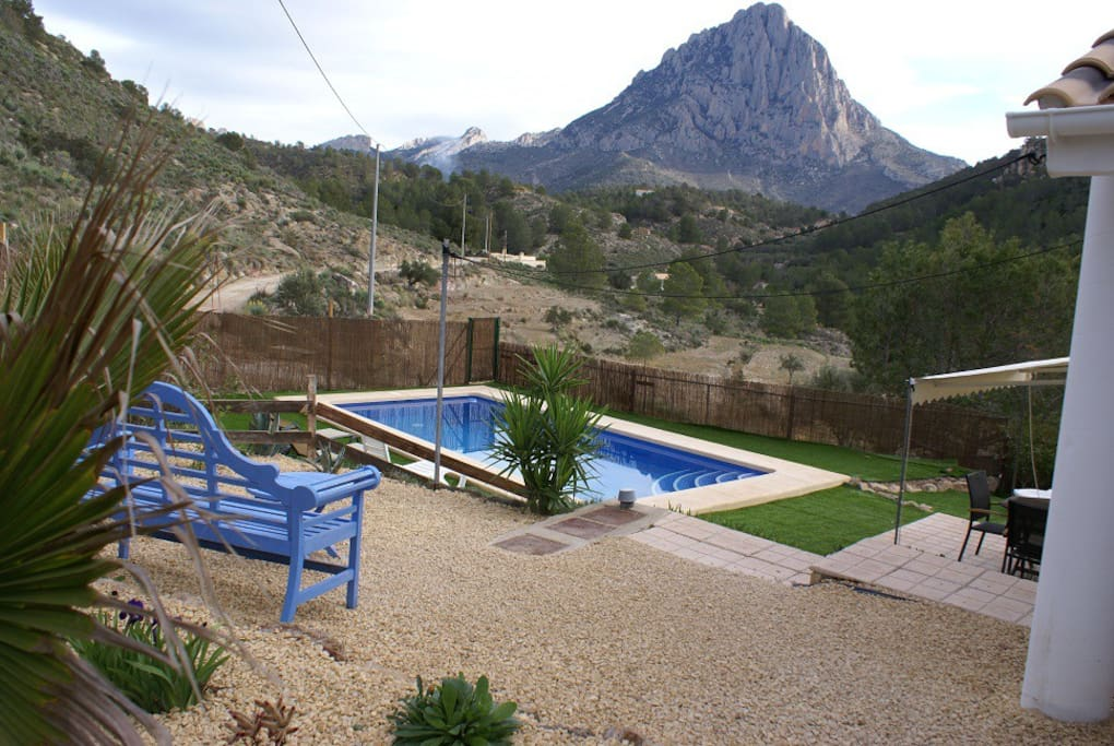 Pool with views of Puig Campana mountain