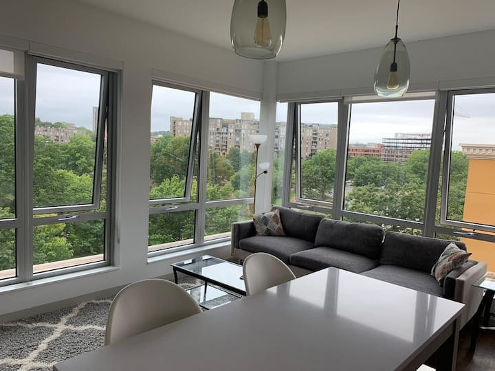 Boston luxury river view 2 bedrooms apartment