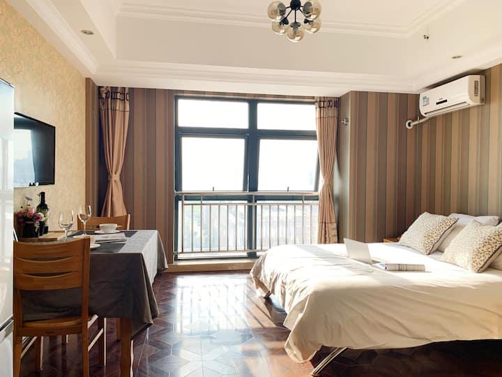 惠山万达网红公寓1015,漫拾光清新田园风,浪漫主义、万达楼上、洗衣做饭设施齐、密码锁、多房源可选