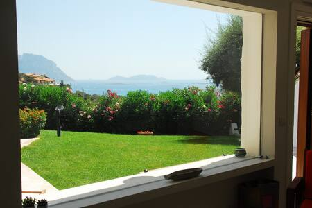 Villa with garden, terraces overlooking Tavolara - Porto Istana - Lainnya