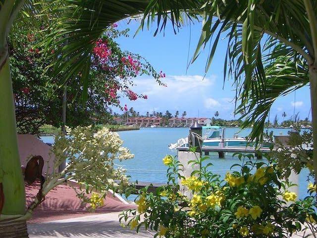 Caribbean Villa - Antigua - Jolly Harbour - Reihenhaus