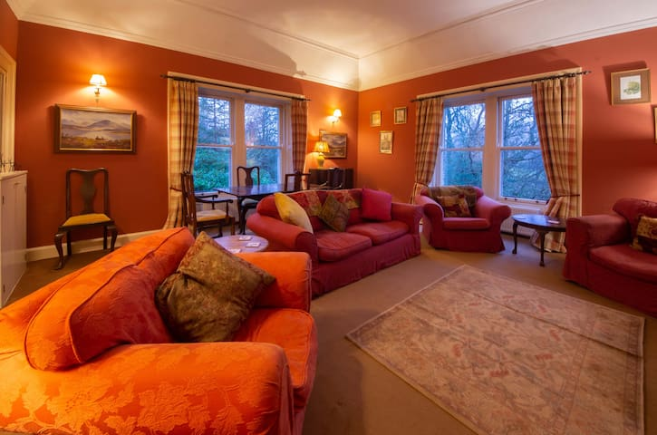CHAPEL COTTAGE - 3 bedrooms (8 guests)