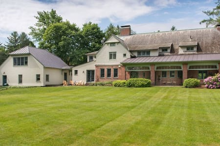 Fabulous 5 Bedroom Home on Hanover Golf Course