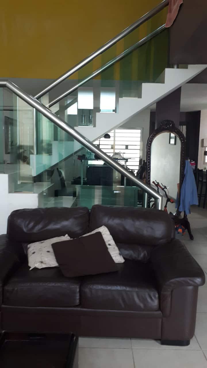 Casa minimalista en ciudad Mendoza