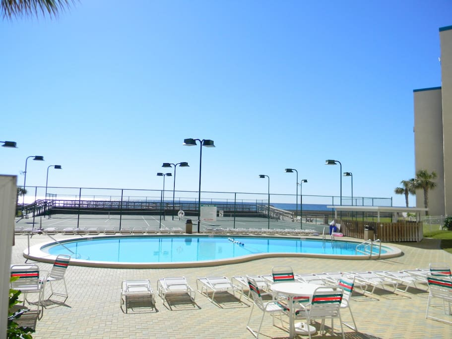 Holiday Isle Pool and Lighted Tennis Courts