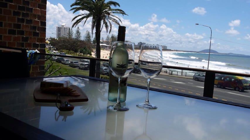 Beach front, excellent views - Alexandra Headland - Apartamento