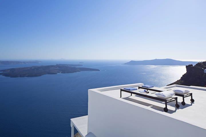 Villa Eros in Santorini