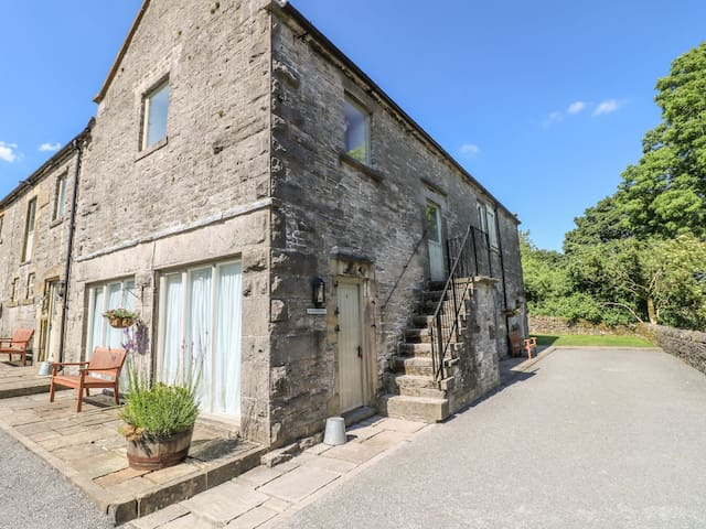 Redhurst - Wetton Barns Holiday Cottages