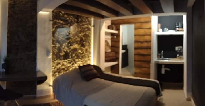 El callejón de Abasolo:  Tlacuatzin - suite.