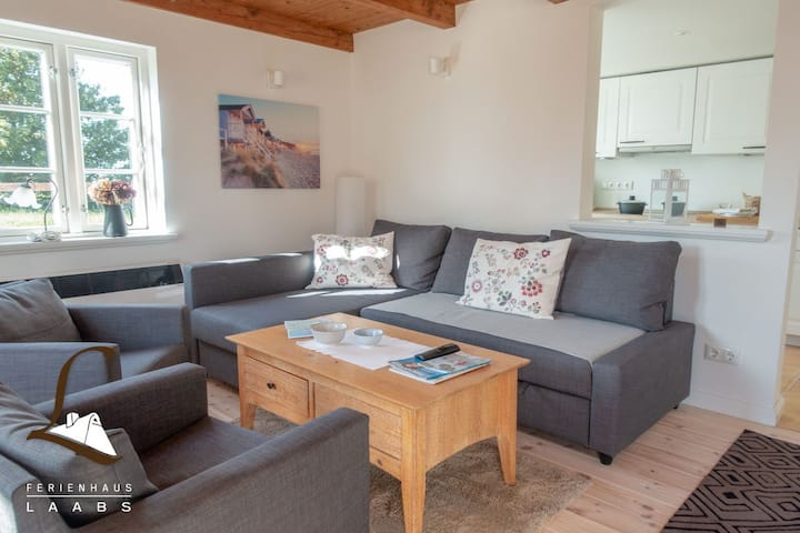 "Lovely Apartment ""Pony Peters Ferienwohnung 3"" close to the Dyke with Shared Pool, Wi-Fi, Terrace, Garden & Sauna; Parking Available, Dogs Allowed"