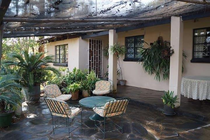 Lechwe Cottage House rental Leopards Hill, Lusaka