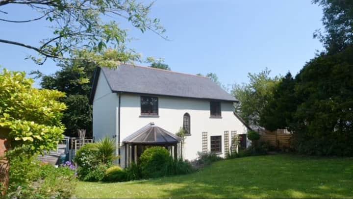 Mill Bridge House - Dog Friendly Cottage!