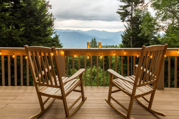 Pet-friendly cabin w/ hot tub & mountain views - fireplace and screened porch!