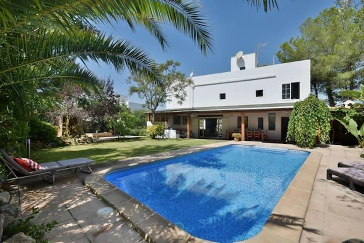 Villa céntrica en Santa Ponsa, al lado de la playa - Santa Ponça - วิลล่า