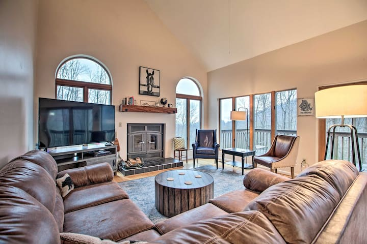 Large Hillside Home w/ Spacious Deck & Game Room!