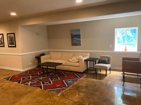 2,000 sf private flat in NW suburbs