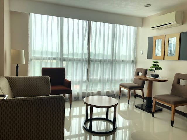 One Tagaytay Place Hotel 1Bedroom fully Furnished