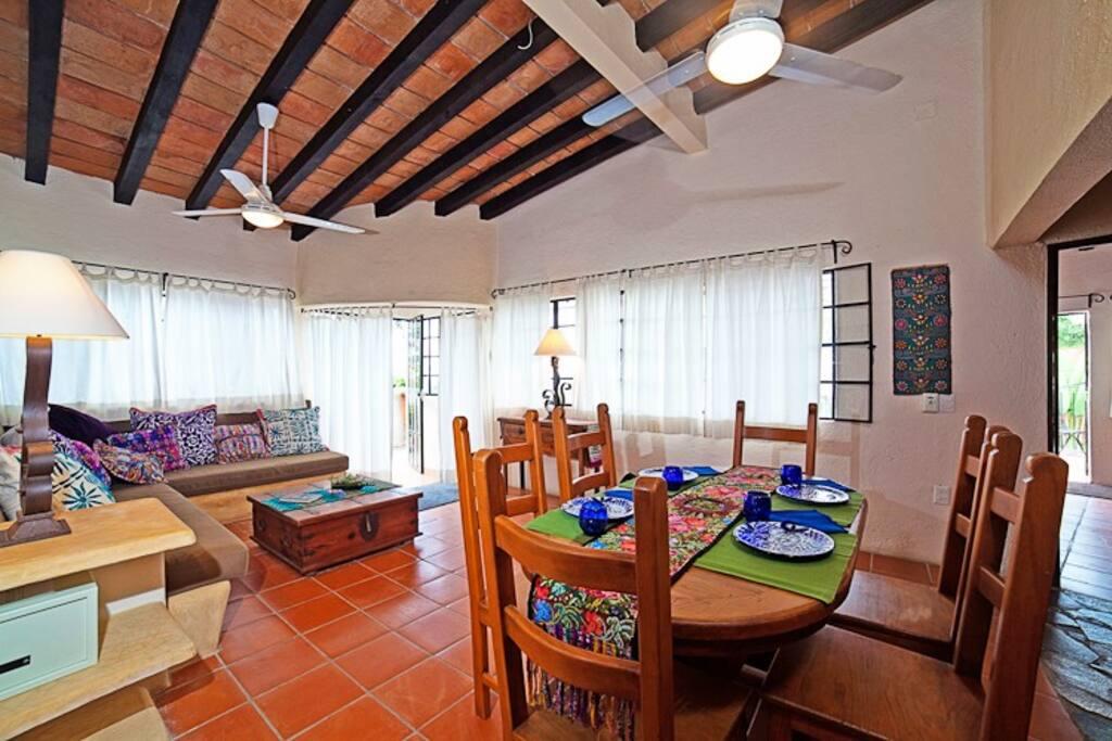 Casa livingroom