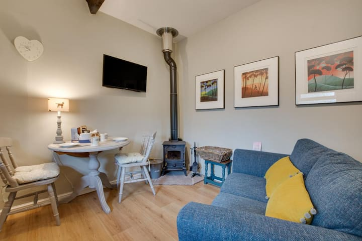 Button Cottage - Dog friendly, walkers & bikers