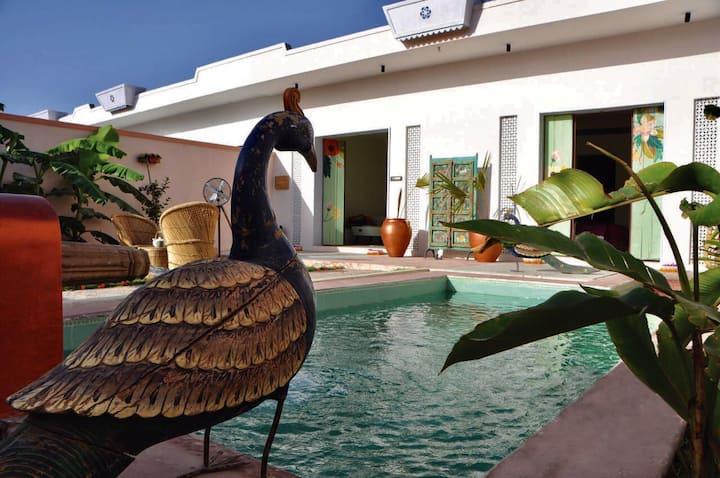 1BR Vibrant Villa/pvt pool+amazing views+lawn@UDP
