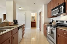 Well furnished modern Kitchen