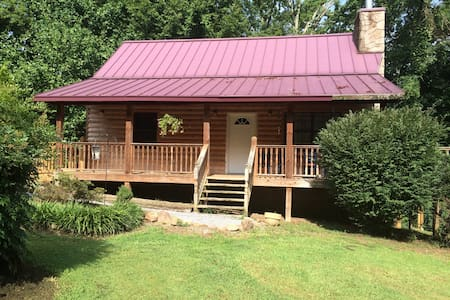 Country Cabin- A Cozy Retreat on the Backroads - Sevierville - Cabane