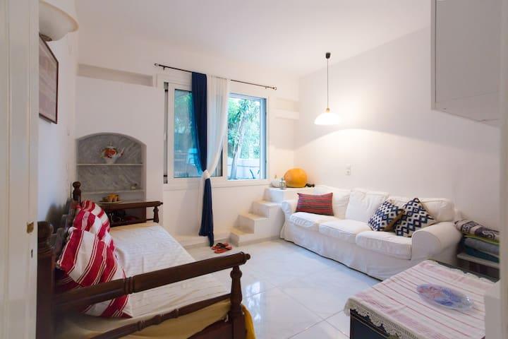NICE PLACE IN AGIOS NIKOLAOS - Agios Nikolaos - Casa