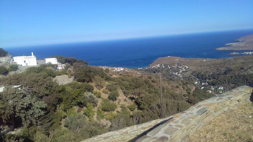A cosy house with a breathtaking view! - Andros - Casa