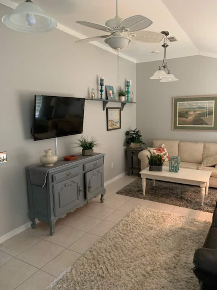 Furnished home close to Orlando! High speed WIFI!