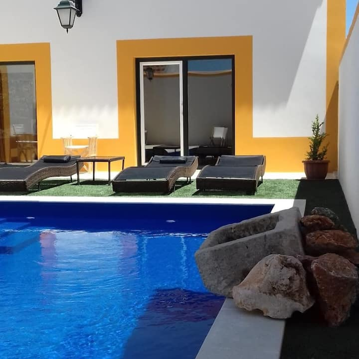 Praia e piscina para 4 em Sesimbra