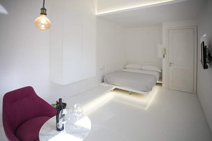Ortigia Casa Fab- Double  bedroom  with Terrace