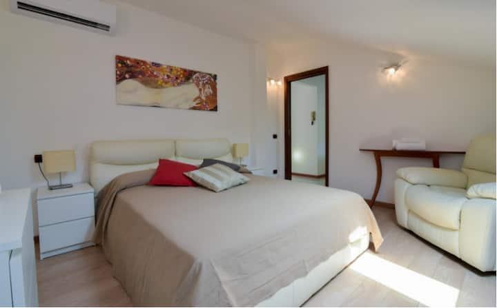 Modern Flat/Attic in Sesto San Giovanni