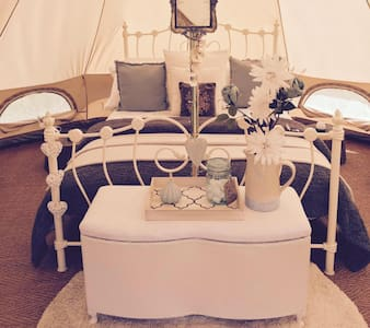 Luxury Glamping - Alice Bell Tent - Oxford - Barraca