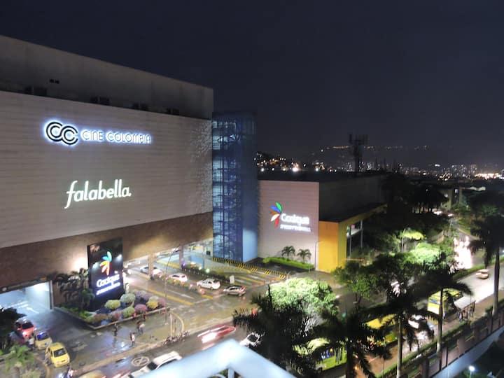 Super Apto con vista al Centro Comercial Cacique.