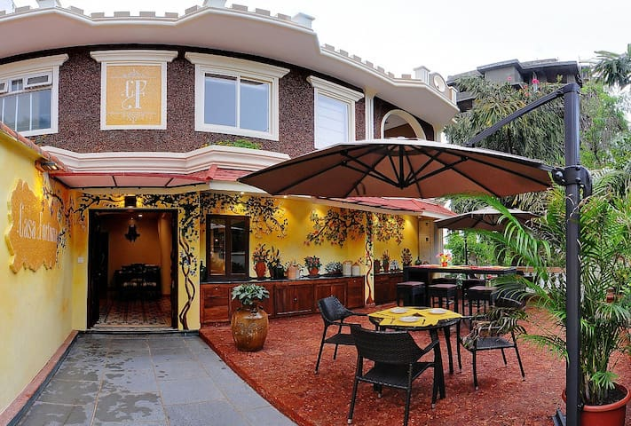 Luxury boutique Villa overlooking Miramar Beach