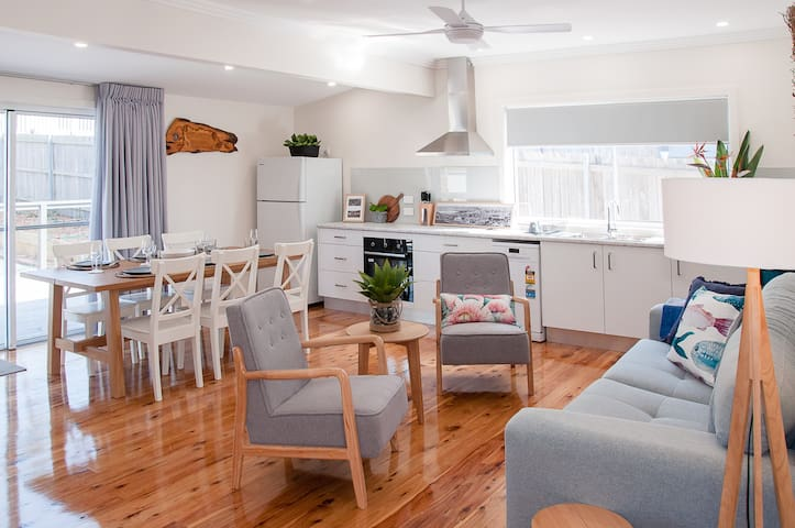 Lions Cottage - welcoming home in central Kiama