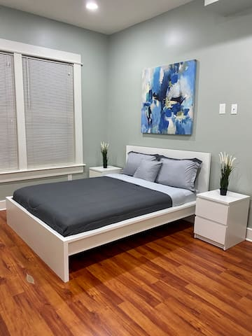 Comfy Private Bedroom in Downtown