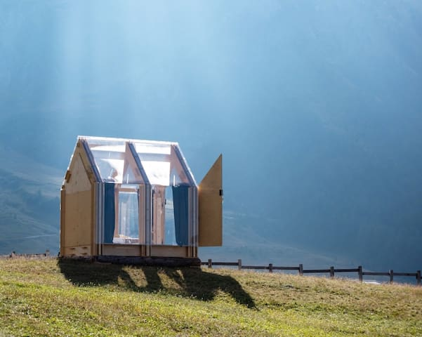 IMMERSO ~ transparent glamping cabin
