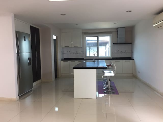[8]Spacious Penthouse near BTS Udom Suk