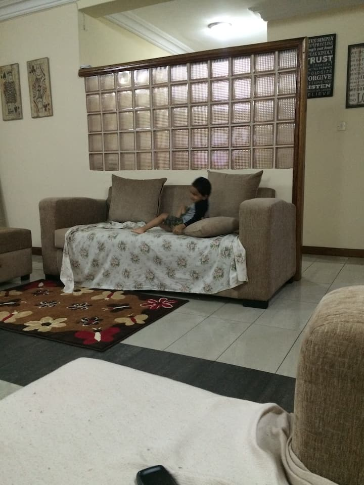 Home stay in Parkview estates