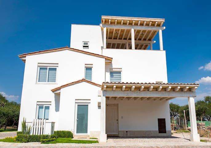 Airbnb Camino A San Miguel El Viejo Km 2 Vacation