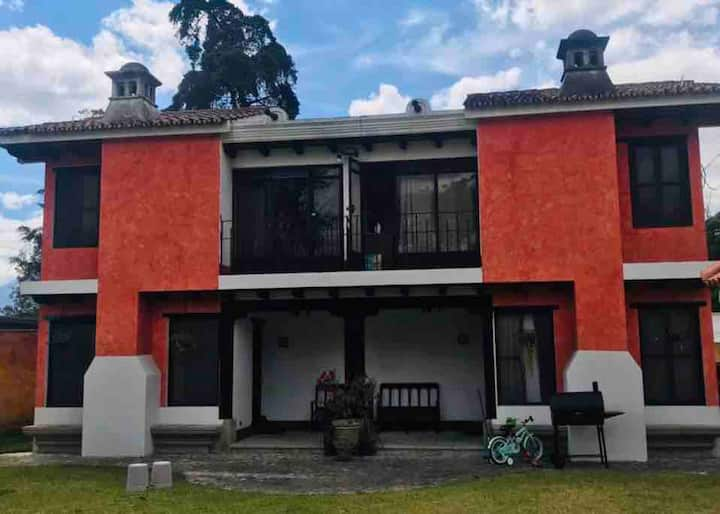 Townhouse with amazing location in Antigua (10)