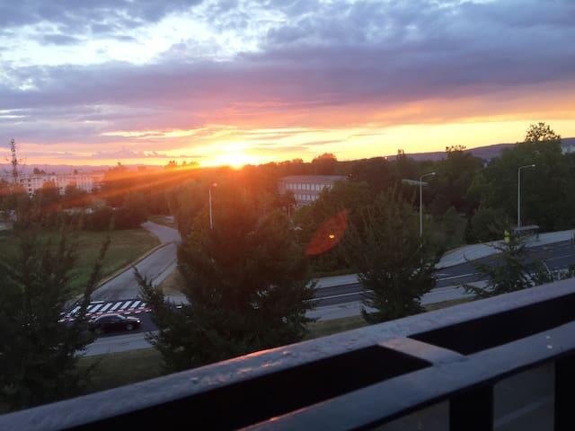 Stan s pogledom na zalazak sunca