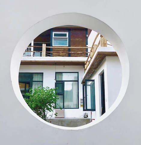 铭宿-长城脚下的小院 浴缸大床房