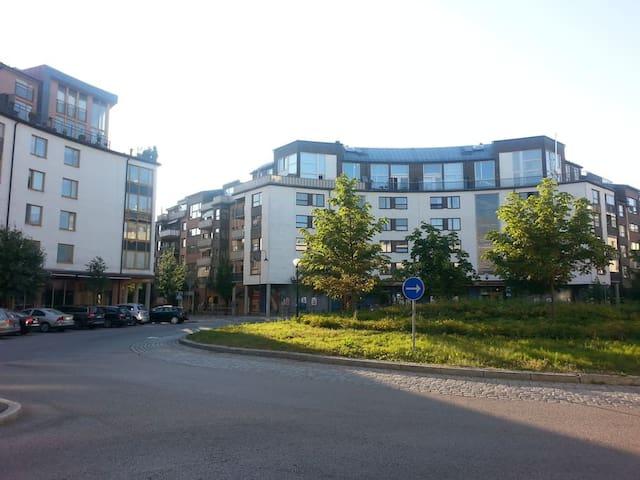 Fresh Comfortable apartment in IT Stockholm, Kista - Stockholm - Apartment