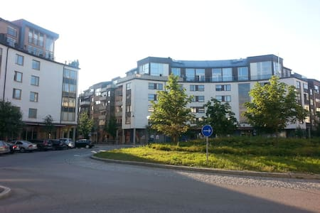 Fresh Comfortable apartment in IT Stockholm, Kista - Стокгольм - Квартира