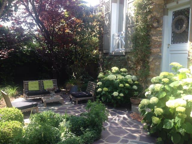 Maison de charme en ville & calme à 15 min Paris - Chelles