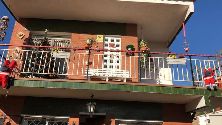 Ambiente familiar para una persona casa con jardin